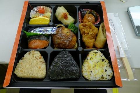 NHKのど自慢のお昼の弁当写真