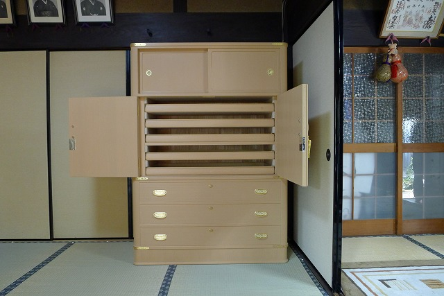 オリジナル伝統工芸大阪泉州胴丸衣装箪笥 お盆5杯入り