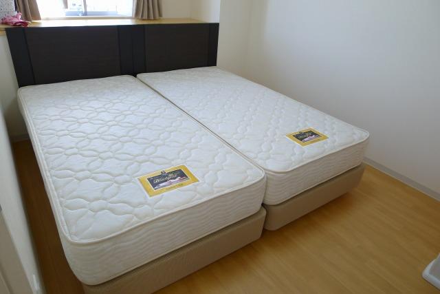 シモンズ  アベリア シングルベッド2台