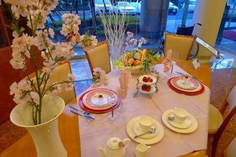 春のよそおいテーブルアレンジメント