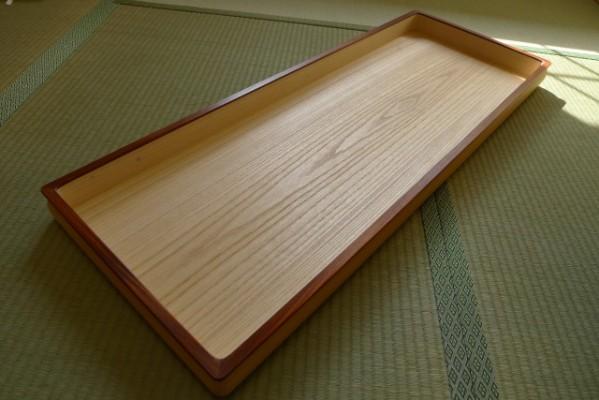 総桐たんすの綺麗な艶と木目の壺盆の底板