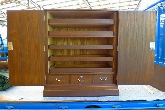 貝塚市のS様の洗い後のオイル仕上げ小袖箪笥の内部