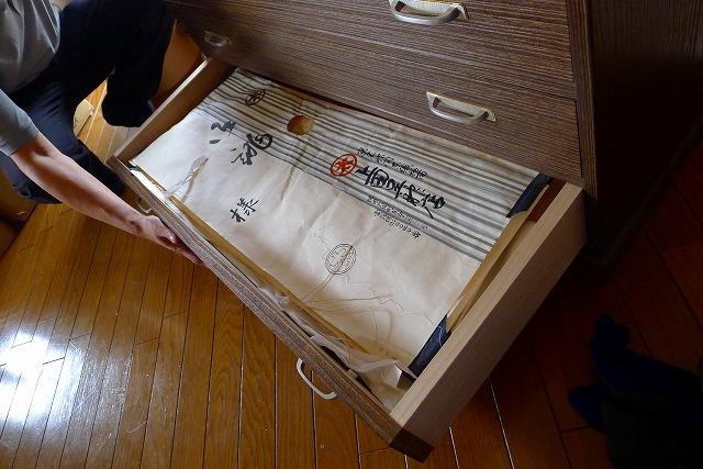 大阪泉州桐箪笥天丸焼桐柾目5段引出し桐たんすに納めるお着物