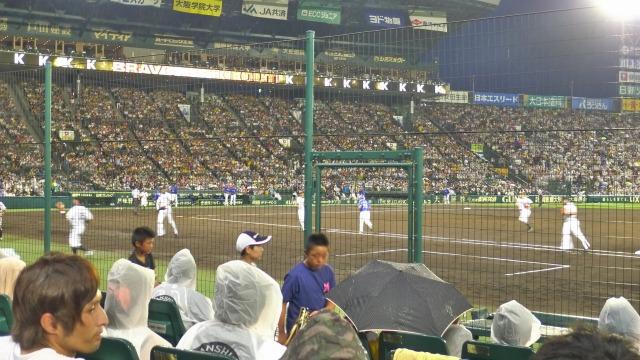 阪神甲子園球場 一塁側からグランドを見る