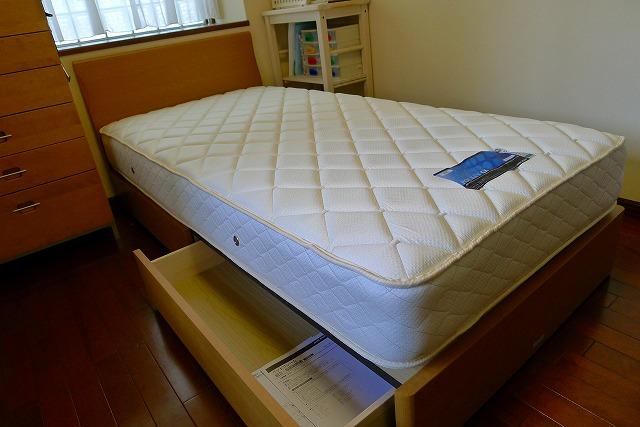 アイシン精機のASLEEP Bedのシングル 引出し付 ナチュラル色