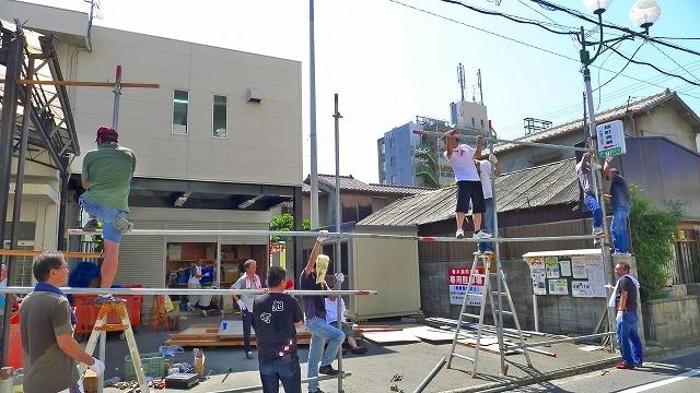 2013 岸和田だんじり祭りのお花看板(花板)の設置