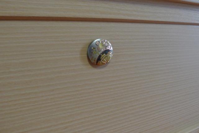 最高級 御所車の桐たんす鍵座金具