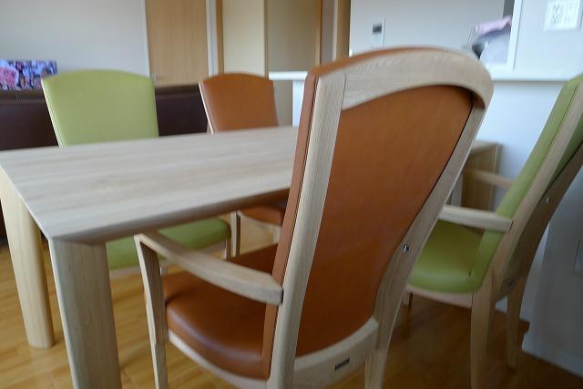 カリモクダイングテーブル、DU5200ME椅子肘付CT7800E542とCT7800E499肘なしCT7805E542とCT7805E499 2