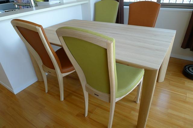 カリモクダイングテーブル、DU5200ME椅子肘付CT7800E542とCT7800E499肘なしCT7805E542とCT7805E499