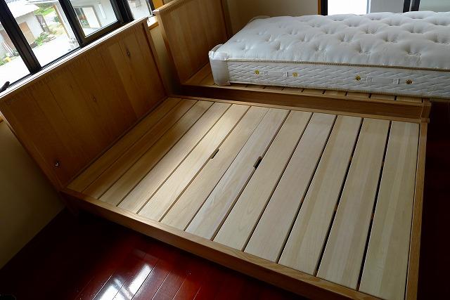 シモンズベッドのコライユ(CORAIL)の桐の床板