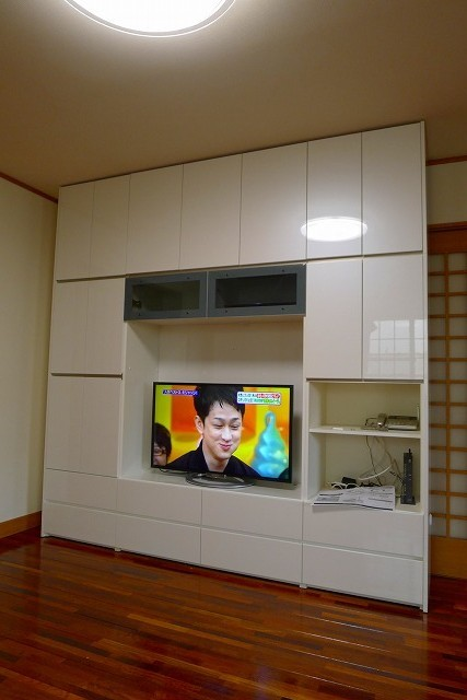 パモウナSWシリーズ パールホワイト色TV収納家具 縦写真