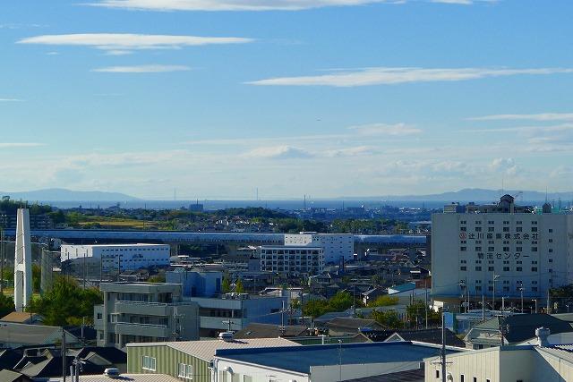 和泉市から明石海峡大橋がみえます。