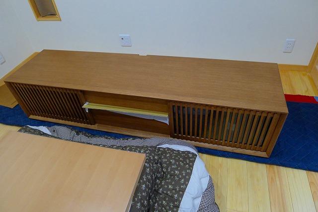 カリモクQU6067MH TVボードの設置