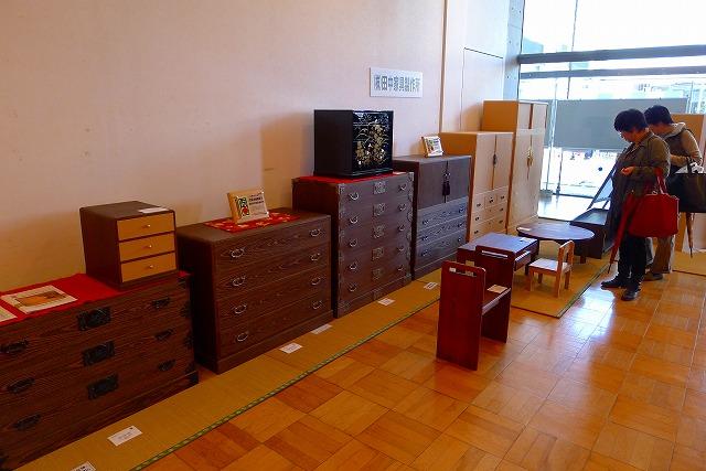 初音の桐箪笥 田中家具製作所 小物展示ブース