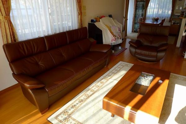 カリモクソファーZT7313H340と一人掛け回転椅子ZT6803H340 2
