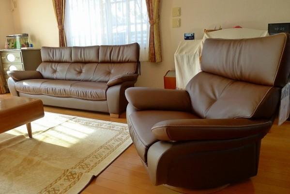カリモクソファーZT7313H340と一人掛け回転椅子ZT6803H340