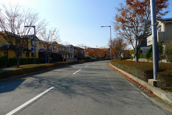 神戸の手入れされた閑静な住宅街の町並み