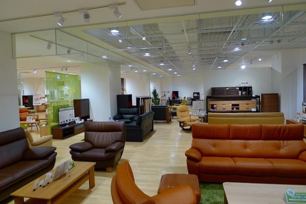 カリモク家具神戸ショウルームの店内展示写真 2