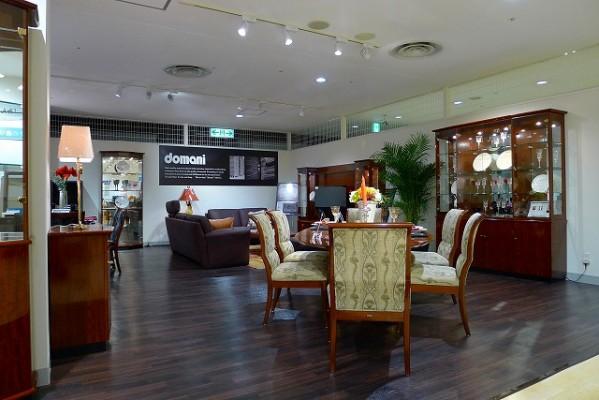 カリモク家具神戸ショウルームのドマーニ店内展示写真 2