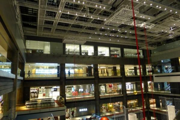 グランフロント大阪北館内部の個々のお店