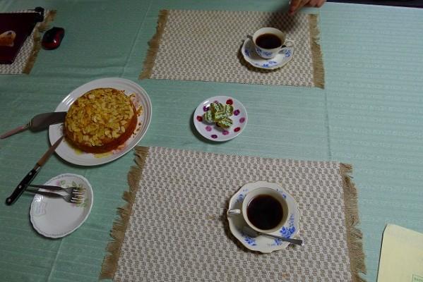 U様の美味しい焼き立て手づくりケーキとコーヒーです。