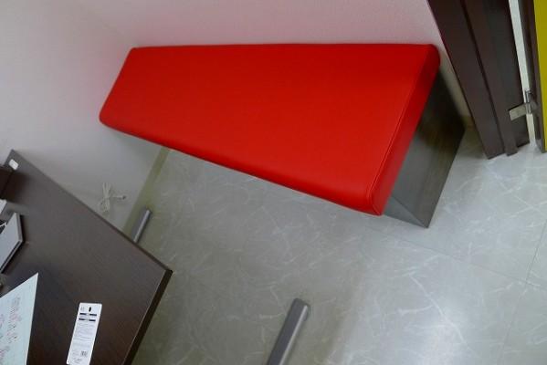 カウンセリングルームの別注椅子 2