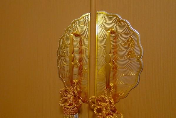 大阪泉州桐たんすの天丸大戸さざ波桐衣装箪笥 前飾り金具