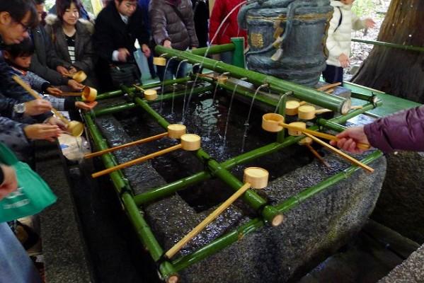 奈良 桜井市の大神神社(おおみわ神社)の御手洗い