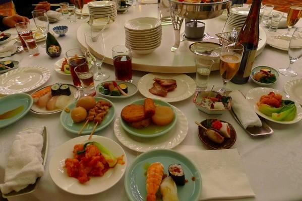 岸和田グランドホールの食事