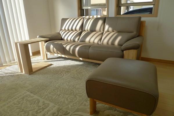 カリモク家具 ソファーZU4853P448とオットマンとサイドテーブル