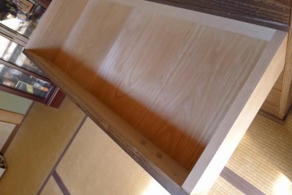 大阪泉州桐箪笥焼桐天丸型五段引出しタンスの引出しの良質な桐材