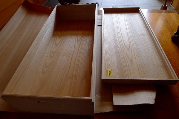 大阪泉州桐箪笥の桐衣装箱