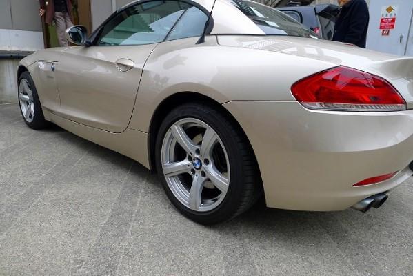 BMW Z4のリア横からのお写真