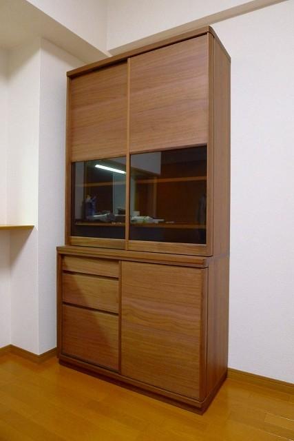 カリモク家具のプレミアム ウォールナットナチュラルのET3930XRダイニングボード