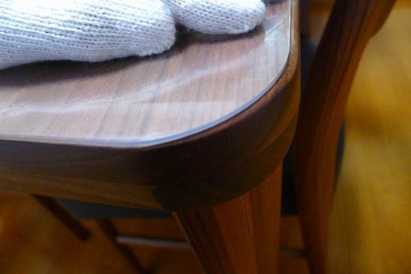 カリモク家具のプレミアム ウォールナットナチュラルのDU5315R000ダイニングテーブルの合わせた傷防止の非転写CSマット