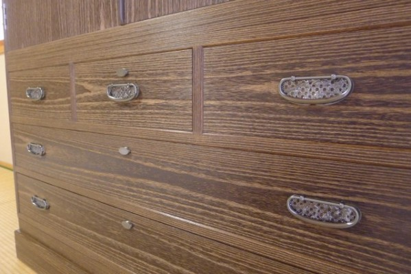 総桐焼桐盆六衣装箪笥の板目柾