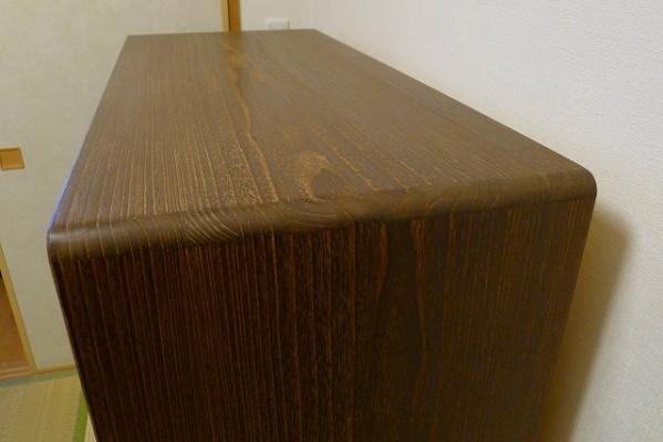 大阪泉州桐たんす焼桐柾目小袖衣装たんすの一枚板の天板と側面を手組み蟻組み