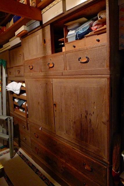古い修理依頼の桐箪笥