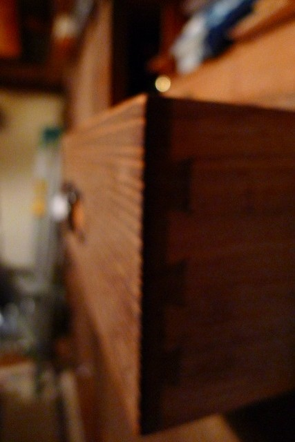 古い修理依頼の桐箪笥 2