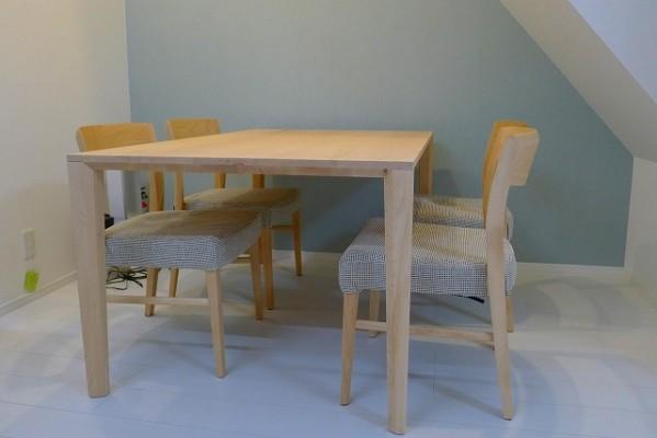カリモク家具のダイニングセットDT8416P450とCT5365P423