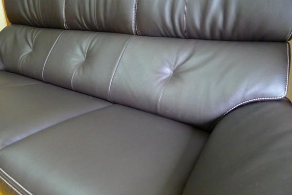 カリモク家具の人気のZT7303K353のソファー
