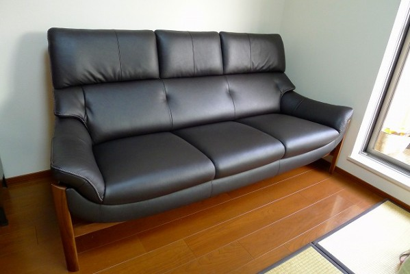 カリモク家具のZU6253R353のソファー