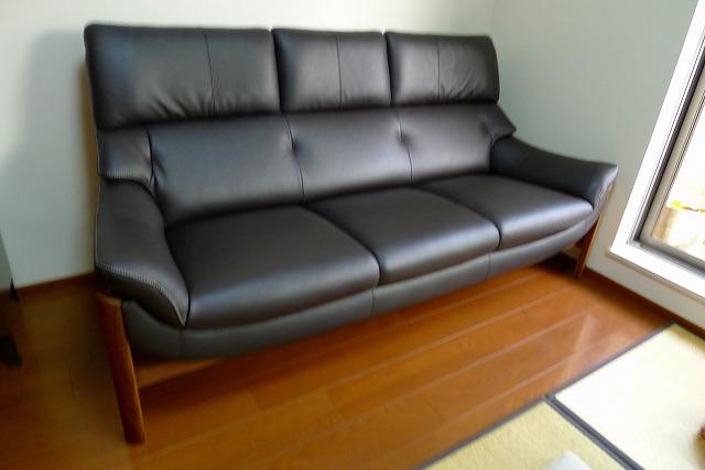 カリモク家具のZU6253R353のソファー写真