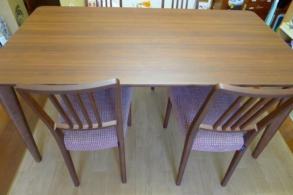 カリモクダイニングテーブルのセット(イスCD1605J462、テーブルDA5150NJ)