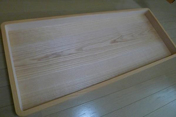 大阪泉州桐箪笥 天丸盆六入り衣装箪笥のお盆の桐の底板の美しい杢目