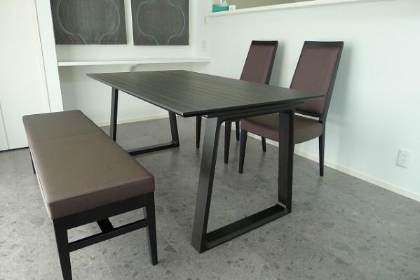 カリモクダイニングセット(テーブルDA5080ZW、イスCA1905W551,ベンチCT0146W551)