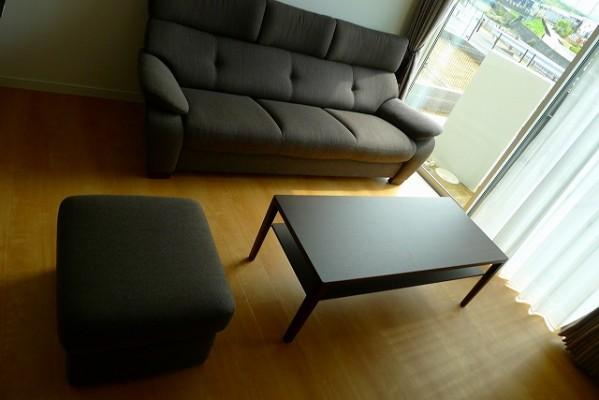 ソファ(UT7313K390、UT7306K390)とテーブル(TU4450K000)