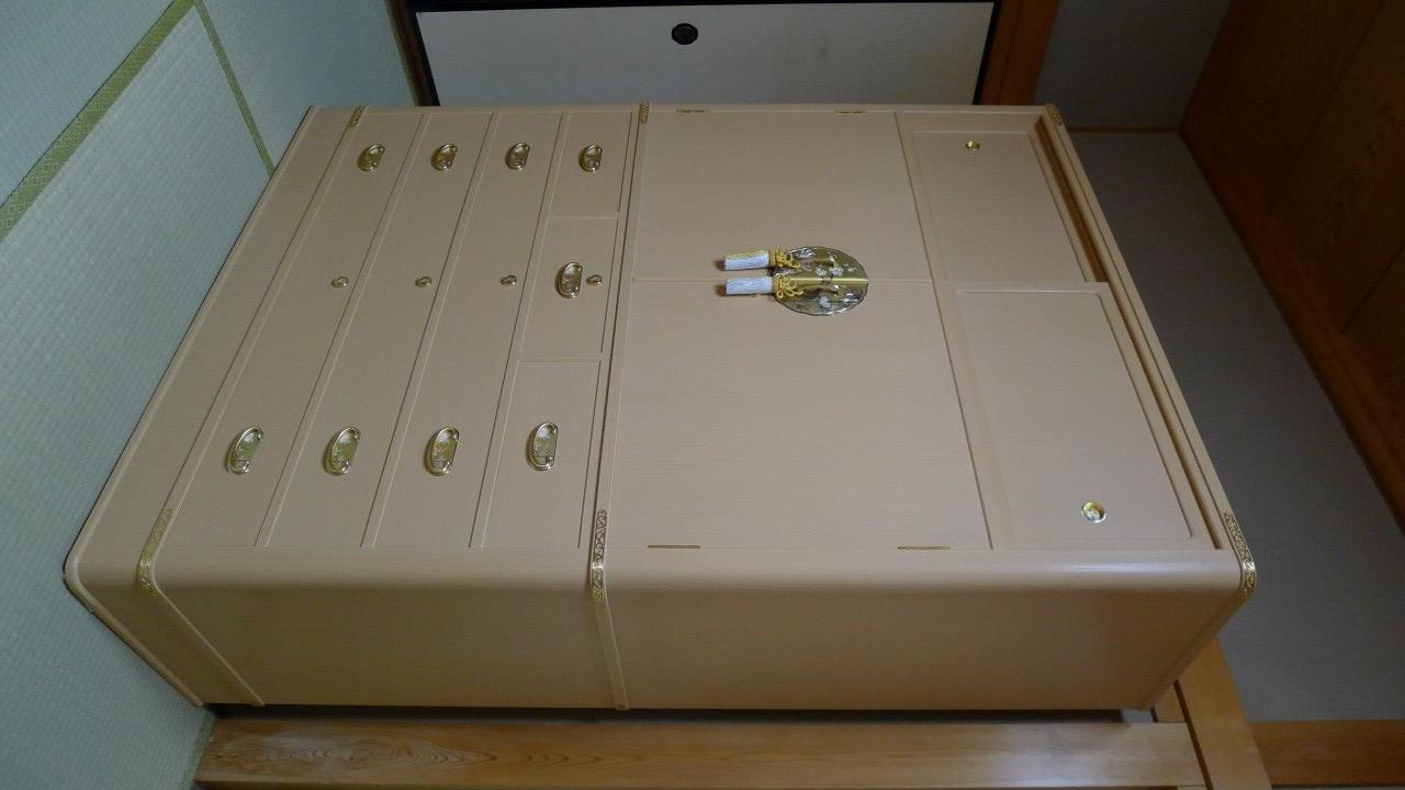 大阪泉州桐箪笥の胴丸和紙金具衣装箪笥 2