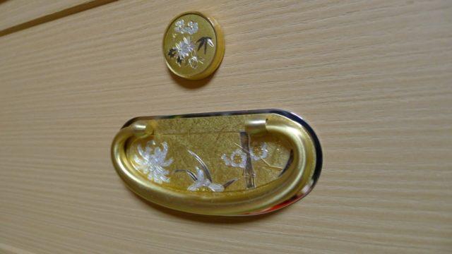 大阪泉州桐箪笥の胴丸和紙金具衣装箪笥の鍵座 引手