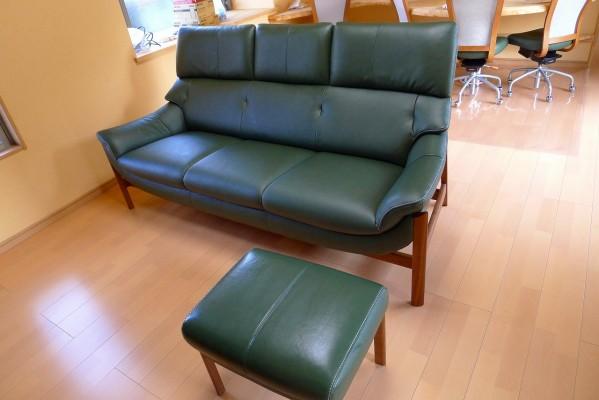 和泉市のI様にkarimoku人気の家具のZU6253R他をお届けいたしました。